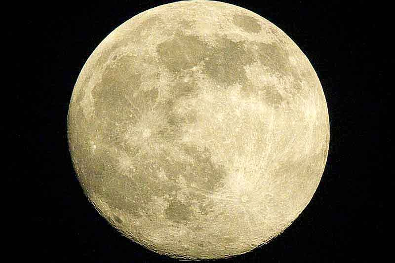Close-up, supermoon