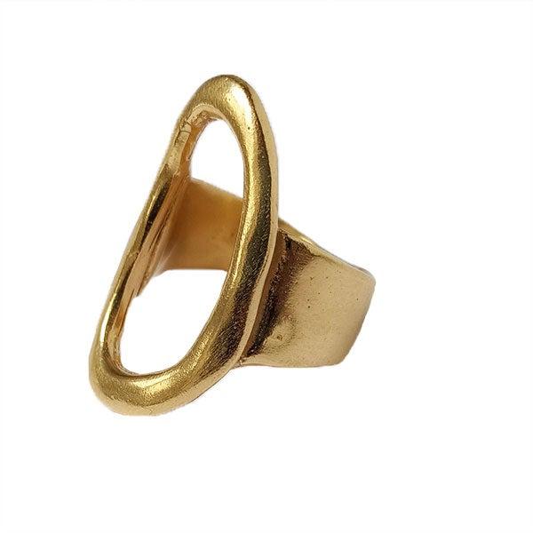 Queen Letizia's Karen Hallam Signature Ring was not missing