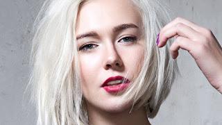 Saç Dökülmesi, Saç dökülmesinin nedenleri nelerdir, Saç Dökülmesinin Sebepleri ile ilgili aramalar saç dökülmesinin nedenleri ve çözümleri  erkeklerde saç dökülmesi nedenleri  saç neden dökülür erkek  aşırı saç dökülmesi kanser belirtisi  aşırı saç dökülmesi hangi hastalığın belirtisi  saç dökülmesi nasıl önlenir  kadınlarda tepeden saç dökülmesi  saç dökülmesine çözüm