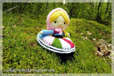 http://lalkacrochetka.blogspot.com/2016/09/the-chubby-dumpling-doll-lalka-pyza.html