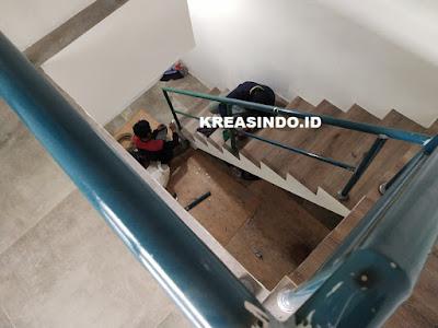 Balkon Plat Perforated dan Pegangan Tangga Besi pesanan Bpk Bowo di Villa Pertiwi Depok