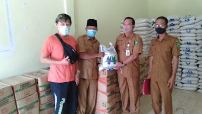 Pemerintah Desa Balai Makam Salurkan Bantuan 1122 Paket Sembako Murah, Kepada Masyarakat