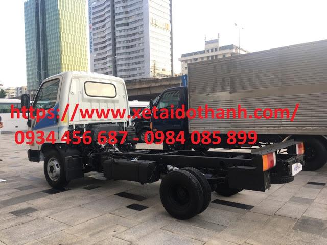 Ngoại hình xe Hyundai N250 thùng bạt khỏe khoắn từ cái nhìn đầu tiên