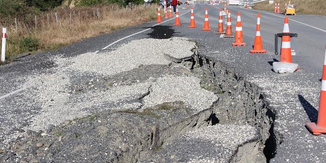 Sanksi Hukum Bagi Penyelenggara Jalan Yang Tidak Segera