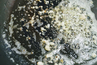 Saute garlic in olive oil for pasta in white sauce recipe