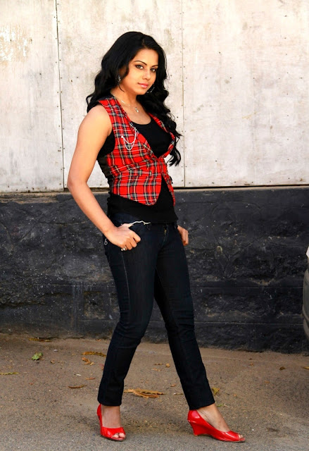 Rachana Mourya jeans latest shoot
