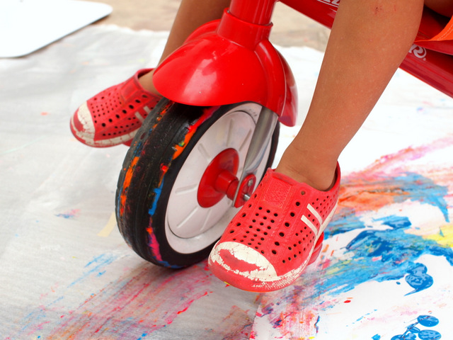 paint on tricycle wheels