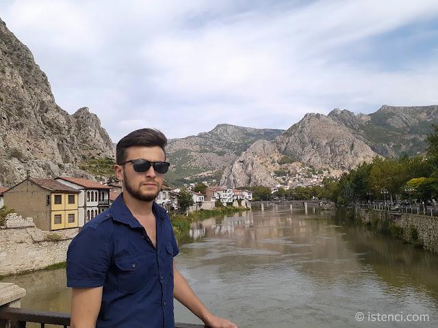 Harun İstenci Amasya'da Yeşilırmak Nehri üzerinde...