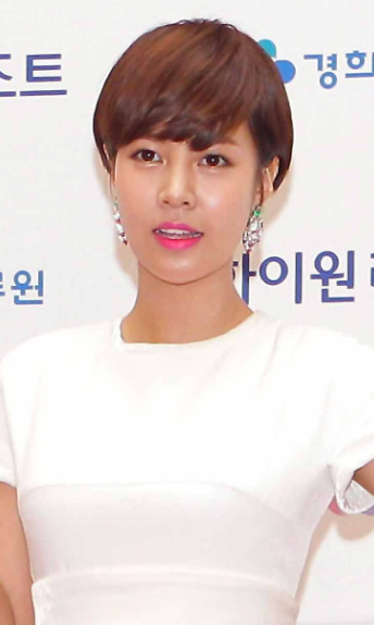 Model Rambut Wanita Korea Pixie hair cut