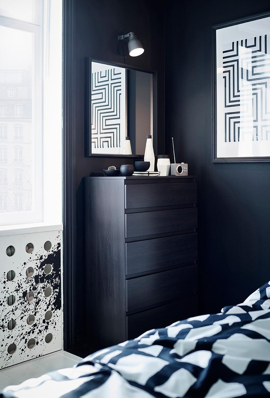 catalogo ikea 2020 dormitorio cómoda madera oscura