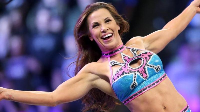 Mickie James Talks Accidentally Winning a Title at Live Event, Piggy James Angle