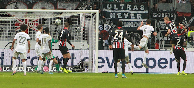 Eintracht Frankfurt 5-1 Bayern Munich: Boateng sees red as pressure mounts on Kovac