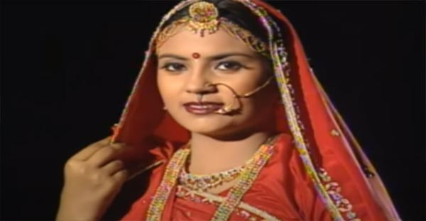 Ghumerdar Lanjo Lyrics - Seema Mishra | Ghoomar 2