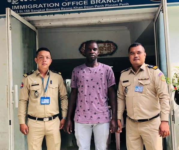 Nigerian man asks Cambodian Immigration to send him home, says he has no money to renew his visa (photos)