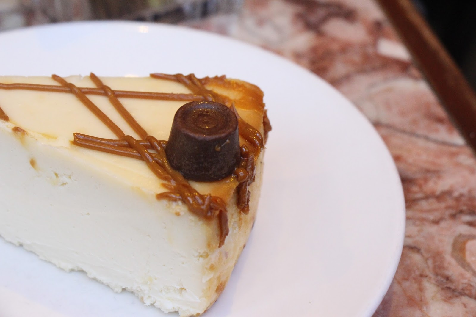 Cheesecake at Cafe Lalo, NYC. Li, a Scottish and NYC lifestyle blogger talks about the 26 things that she loves about NYC
