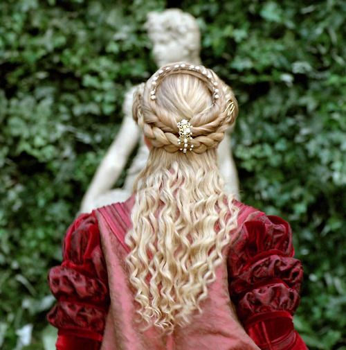 Hairstyles of the Goddesses  The HairCut Web