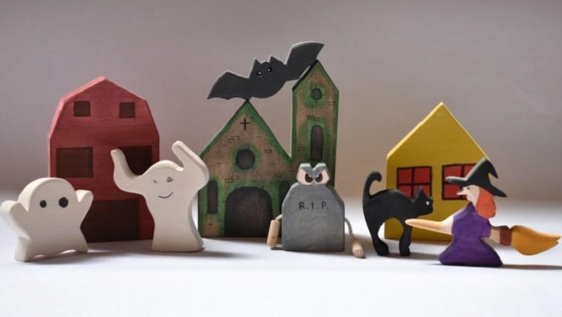 vulps wooden halloween toy set