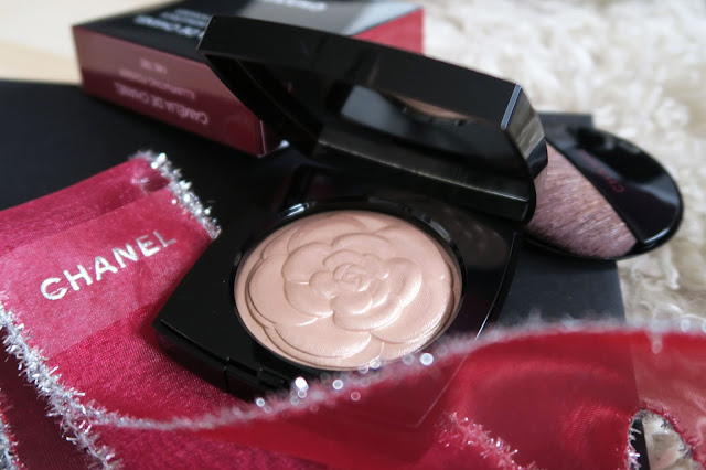 Camelia de Chanel Illuminating Powder 2016
