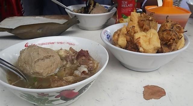 Bakso Tenes Kikil Pak Noto;5 Kuliner Bakso Enak di Kota Probolinggo;