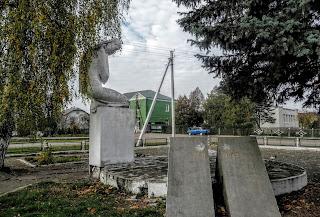 Великие Дедушичи, Львовская обл. Воинский мемориал. Ул. Гошевская