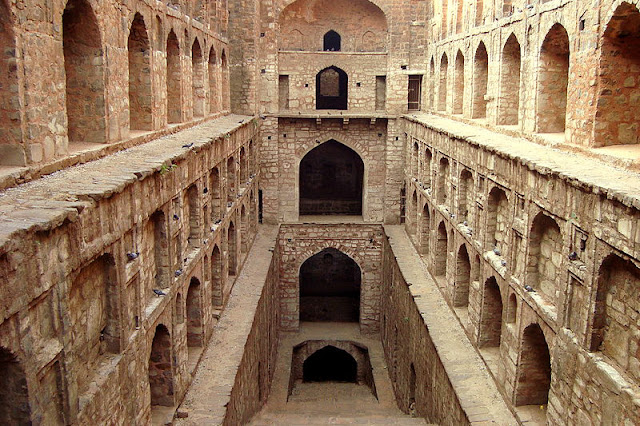14 Insanely Photogenic Historical Places in North India, agrasen ki baoli