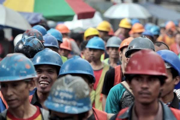 Pandemi Belum Usai, Buruh Minta Menaker Buat Aturan Larangan PHK