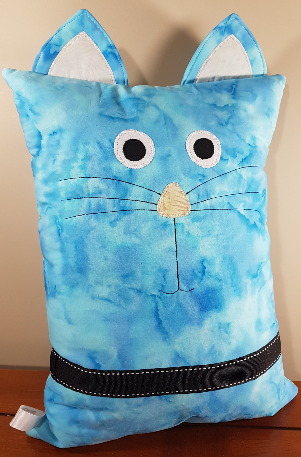 cat pillows | DevotedQuilter.blogspot.com