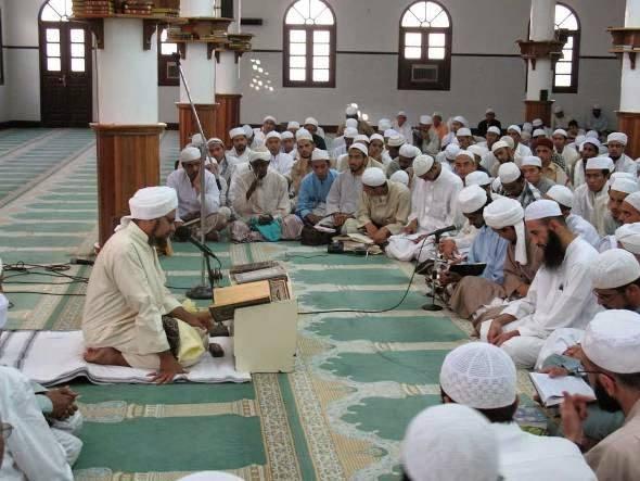 Janganlah engkau tertipu dengan nama Islam pada lahirnya saja, tanpa ada ruhnya