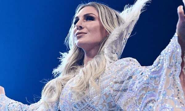 شارلوت فلير تكشف عن المصارعة الأعظم على الإطلاق حاليا في WWE