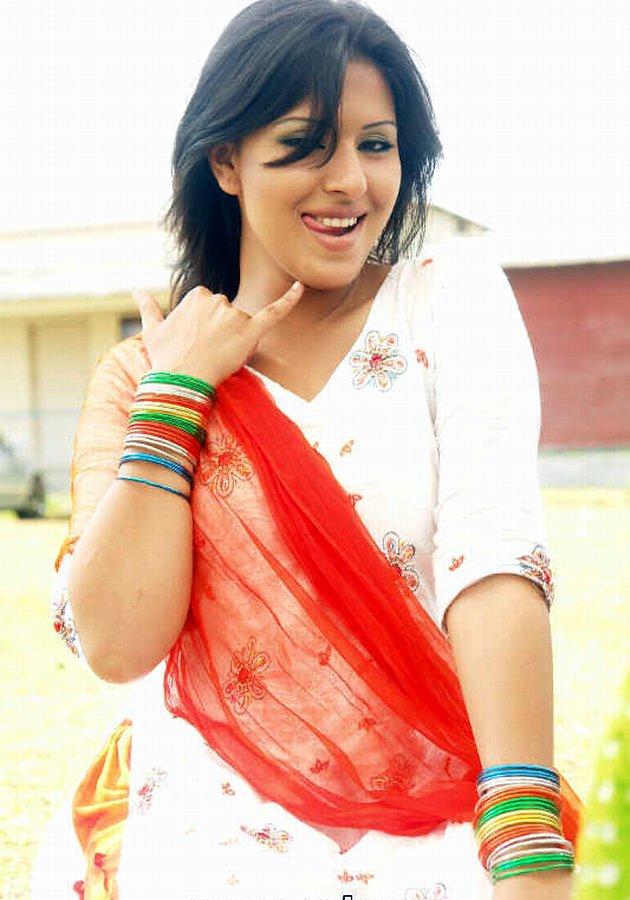 Bangladeshi Actress Model Singer Picture Tinni -1361