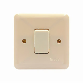 Saklar Lampu Paling Sering digunakan Dalam Instalasi Listrik Rumah