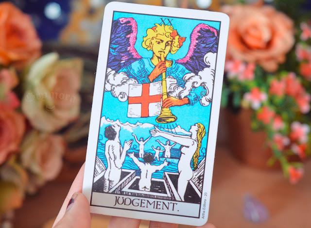 O Significado da Carta XX - O Julgamento no Tarot do Amor, Trabalho e dinheiro, saúde, como obstáculo ou invertida e como conselho.