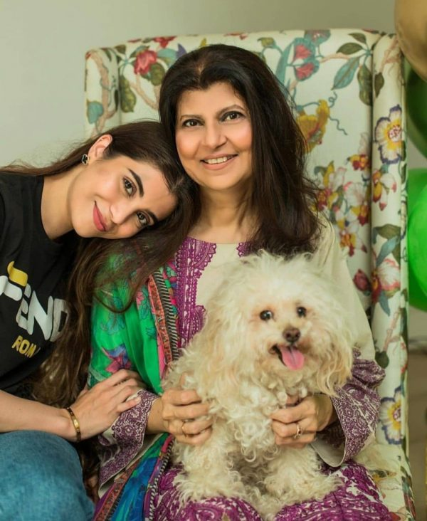 Famous Actress Rubina Ashraf Returned Home After Fighting Covid-19