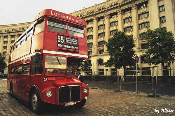 London-Bus-In-Bucuresti (1)