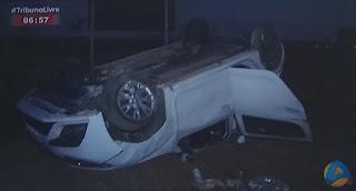 Quatro pessoas ficam feridas em capotamento na BR-101, na Paraíba
