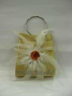 Tas Pesta Gold Putih
