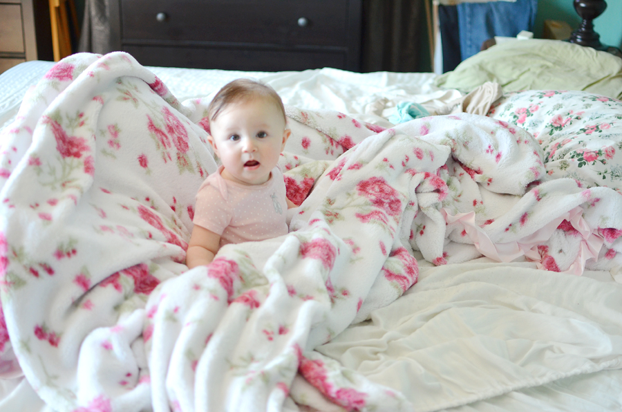 5 Minute Photoshoot on a Standard Bed || Baby at 6 Months