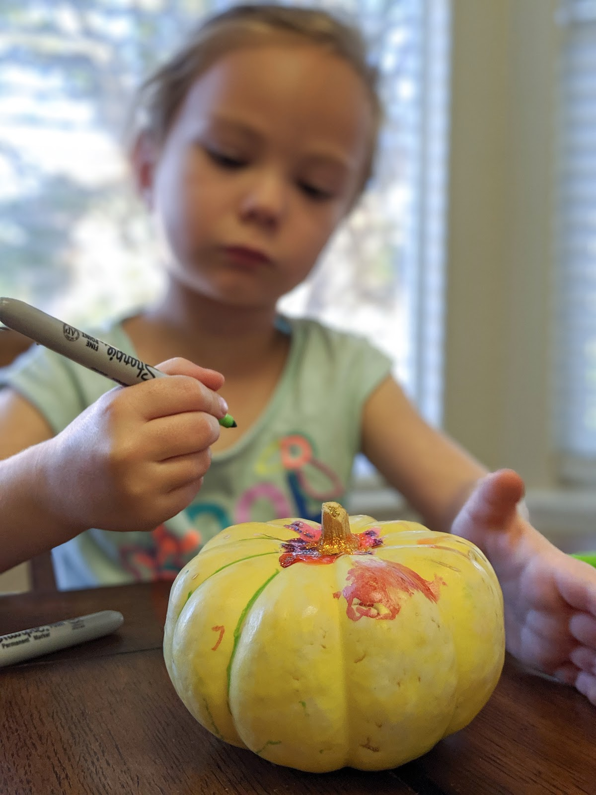 decorating pumpking