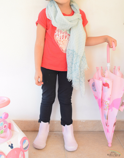 3 OUTFITS TO MATCH YOUR KIDS RAIN BOOTS