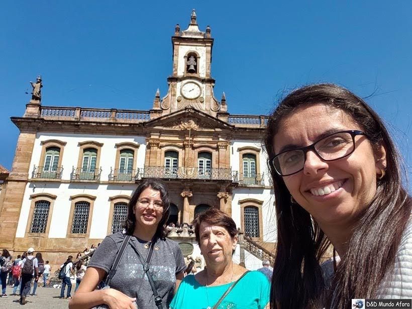 Praça Tiradentes - Passeio de jardineira em Ouro Preto, MG