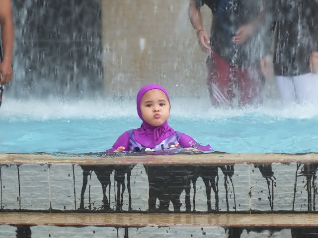Zaskia di Hairos Waterpark