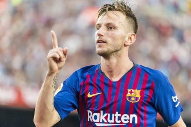 جوزيه مورينيو يفاوض لاعب وسط نادي برشلونة