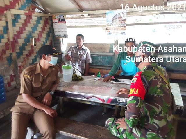 Jalin Keakraban, Personel Jajaran Kodim 0208/Asahan Laksanakan Komsos Dengan Kadus