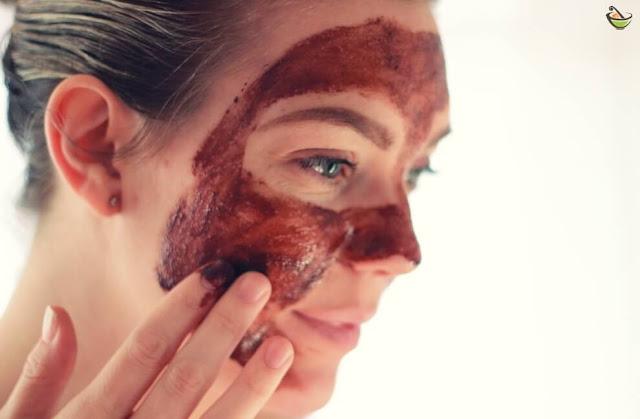 ماسك الشوكولاته للوجه هو طريقة فعالة وبسيطة للعناية بالبشرة فهو ممتاز لجميع أنواع البشرة ويساعد في علاج العديد من مشاكل البشرة.