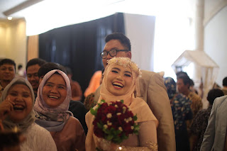 Tips mempersiapkan pernikahan tanpa ribet dalam waktu 5 bulan ini dengan memilih gedung pernikahan untuk hari bahagia sekali seumur hidup
