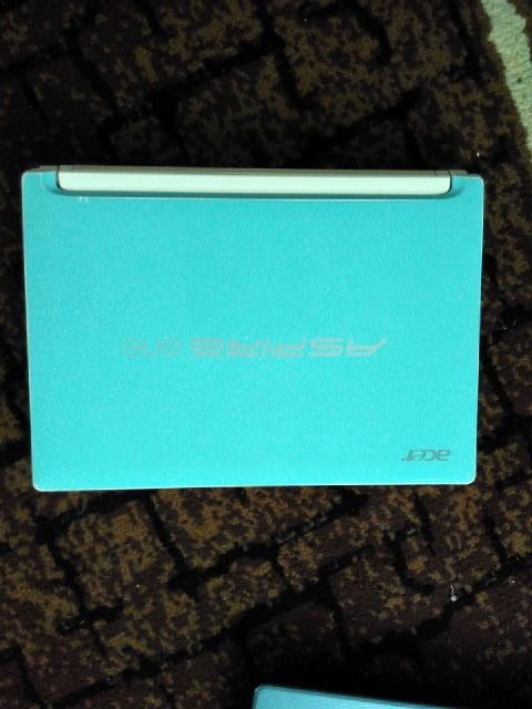 BEKAS Acer Aspire One AO HAPPY N550 GREEN MEDIA