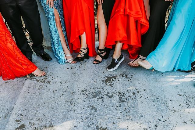 Tip Memilih Dress yang Pas dengan Acara, dari Pesta Pernikahan Sampai Job Interview