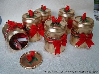 Como fazer enfeites natalinos com latas