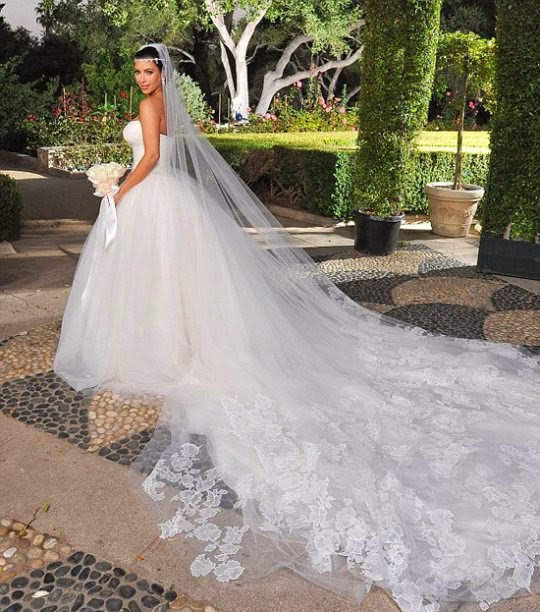 Khloe Kardashian Wedding Gown: The Socialist's Blog: Kim Kardashian And Kanye West's Wedding