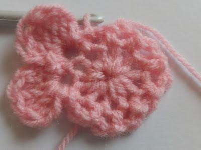 crochet baby hat pattern free with crochet flower